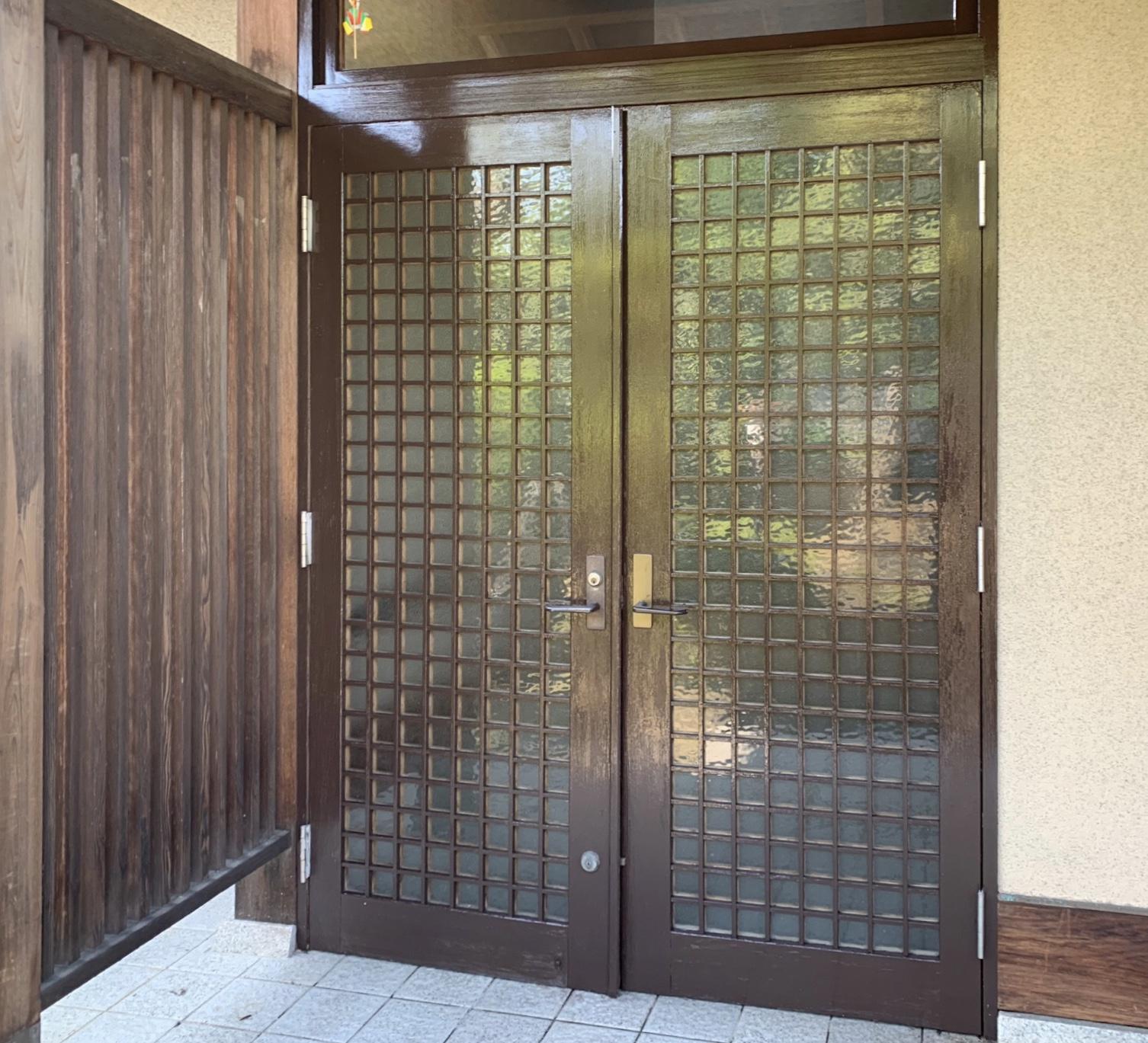 堺市T様邸玄関扉.門塗装工事、タイル薬品洗浄 - AFTER